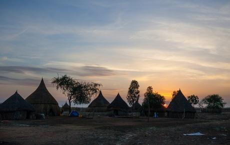 En smuk morgen i udkanten af landsbyen Ganyliel - foto: William Vest-Lillesøe