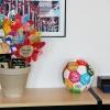 Blomster om god skole til alle børn i verden har fået en plads på Ministerens kontor. Foto: Malene Aadal Bo