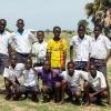 Businge har mange venner på skolen. Han elsker at spille fodbold med de andre drenge. Her er hans fodboldhold. - Foto: Emmanuel Museruka