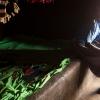 Esther nyder, at der er ro i hytten. Hun tænker på sine forældre. Hun savner dem. - Foto: Emmanual Museruka
