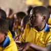 Nyirambere må koncentrere sig for at følge med i undervisningen. Når hendes forældre har brug for hende i marken, kommer hun ikke i skole. - Foto: Emmanuel Museruka