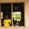 Klasselokalerne er åbne. Man kan høre, hvad der foregår i de andre klasser. - Foto: Emmanuel Museruka