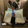 Prellah har sit eget værelse. Hun sover under et myggenet. Der er malaria i området, så man skal passe på ikke at få for mange myggestik. - Foto: Emmanuel Museruka