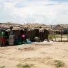 Kvinderne i landsbyen bruger det meste af dagen på at lave mad og vaske tøj. Alt skal gøres i hånden. - Foto: Heidi Brehm