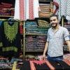 Du kan også købe flot tøj på markedet. Eller stof til at sy dit eget. Foto: William Vest-Lillesøe