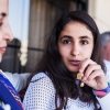 Shahed har en halskæde med en lille kalender på. Hun fik den, da hun blev født. Den viser hendes fødelsdag. Foto: William Vest-Lillesøe