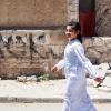 Mohammad har en dishdasha eller thoab på. Den bruger han når han skal i moskeen. Foto: William Vest-Lillesøe