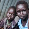 Simon og Samuel går begge i skole i den flygtningelejr, de bor i. Det er de rigtig glade for. Foto: William Vest-Lillesøe