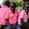 I Sydsydan skal eleverne gå med skoleuniform. Her er det drenge fra en skole i byen Yei - Foto: Karina Klevian