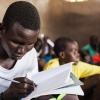 Steven går i skole i byen Ganyliel. Han går i en klasse for store elever, som har været ude af skolen på grund af krigen. Steven var børnesoldat i flere år. Foto: William Vest-Lillesøe
