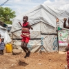 Men selv i flygtningelejrene kan børnene finde plads til at lege. Der er også skoler i lejren - foto: William Vest-Lillesøe