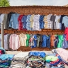 Skjorter i alle farver på markedet i Aweil- foto: William Vest-Lillesøe