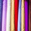 Der er stof i alle regnbuens farver. - foto: William Vest-Lillesøe